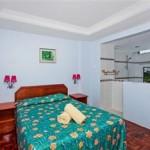 Premium-Bedroom2